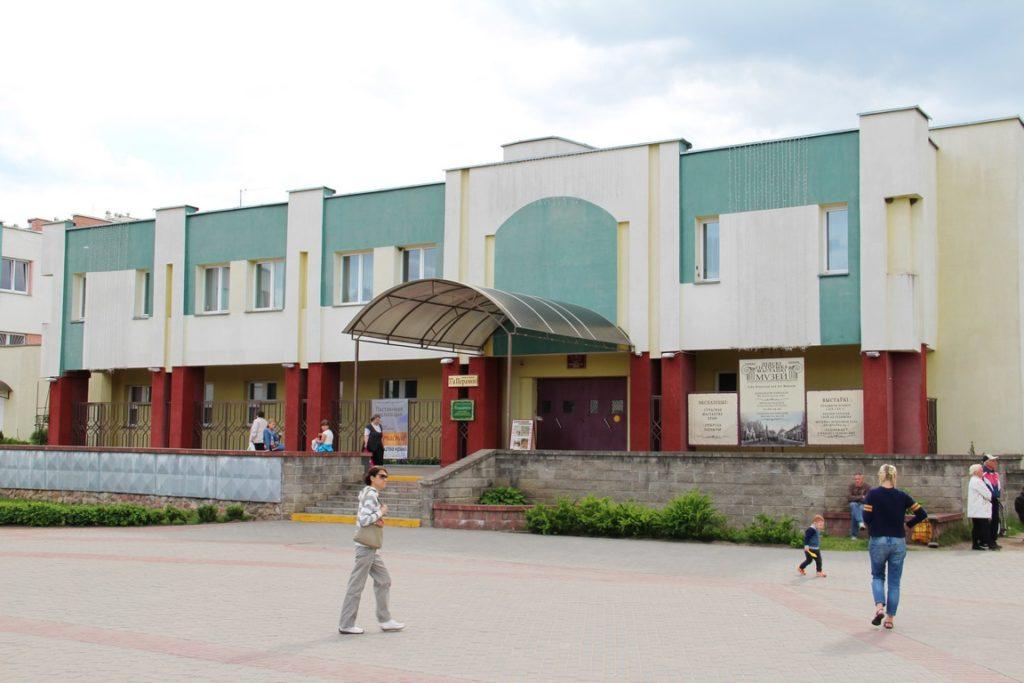 Выставка «Весна в Лиде» работает в историко-художественном музее.